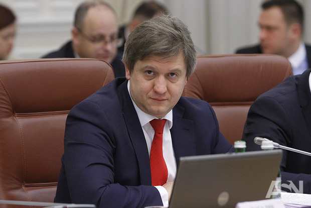 Министр финансов считает недопустимым давление на него генпрокурора Луценко