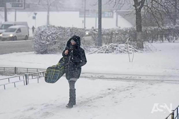 Снег, лед, метель: европейский ледяной циклон добрался до Украины