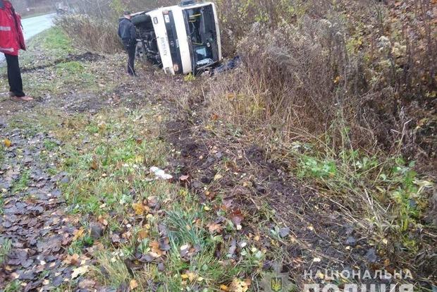На Тернопольщине разбился рейсовый автобус: водитель погиб