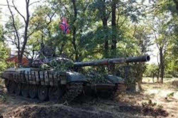 Боевики разместили свои танки вблизи Мариуполя