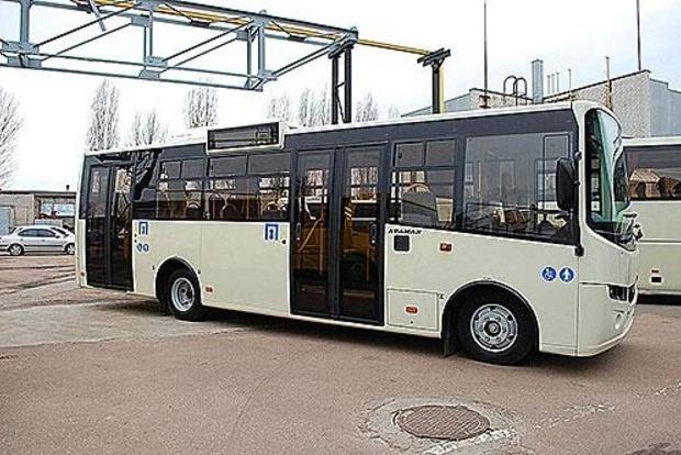 Мукачевские чиновники присвоили 4,7 млн грн при закупке 20 автобусов