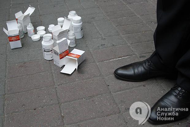 Срыв закупок лекарств-2017: Минздрав до сих пор не подписал необходимые договоры