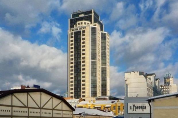 Житель Донецка выпал из 29 этажа бизнес-центра в Киеве