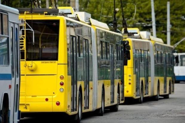 В Киеве с 15 июля может подорожать проезд в метро и наземном транспорте на 1 грн