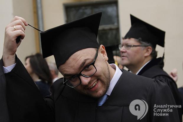 Образовательная катастрофа: в Украине сокращается число студентов