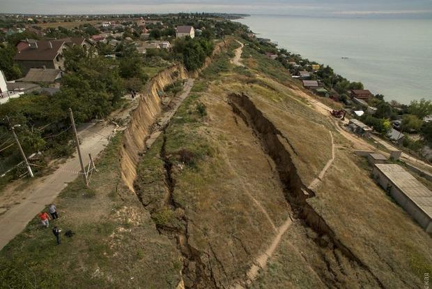 Масштабный оползень в Одессе показали с высоты птичьего полета