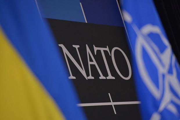 Статус аспиранта НАТО для Украины существует только на словах