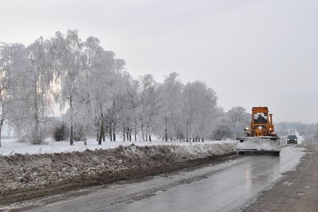 На Волыни из-за сильной гололедицы закрыто движение транспорта