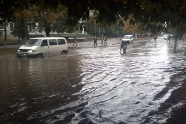 Во Львове после дождя затопило улицы