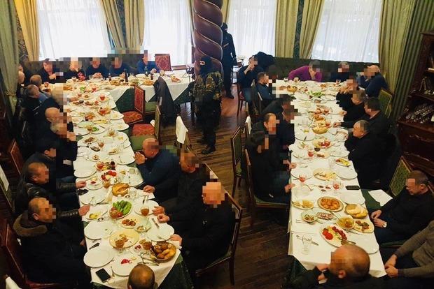 Сходка на поминках. В Киеве накрыли воров в законе из Донбасса