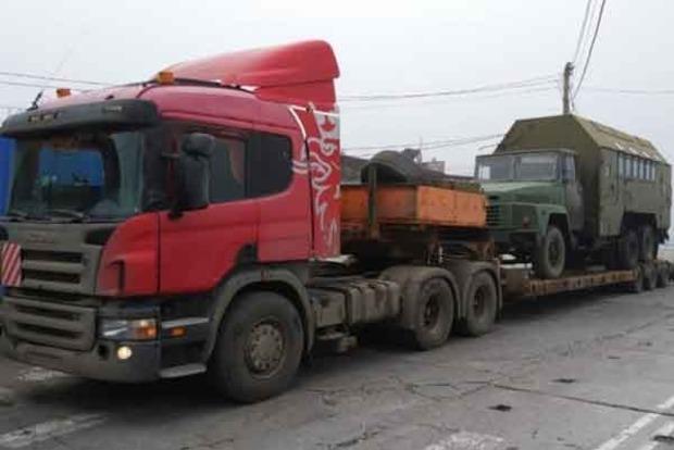 Не через мост: появились фото переброски в Крым военной техники РФ