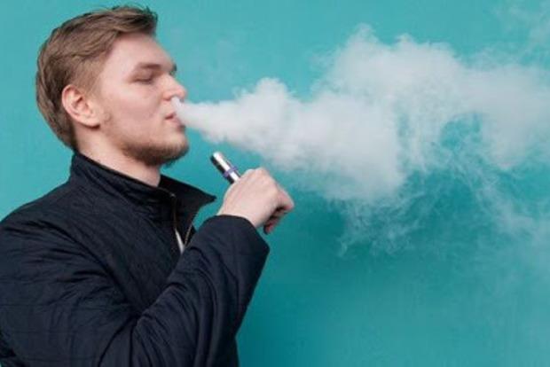 Ученые предупреждают про смертельную опасность от вайпа и электронных сигарет