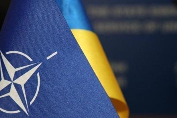 Неподъемные расходы и российские ракеты: эксперт озвучил негатив от вступления в НАТО