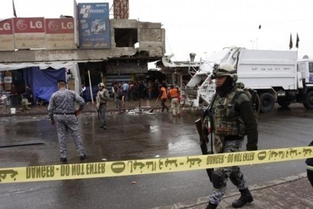 В результате нападения смертника на западе Ирака погибли 11 человек