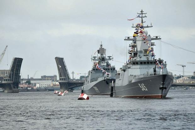 ФСБ затримує судна біля українського берега: у Раді вимагають посилити безпеку в Азовському морі
