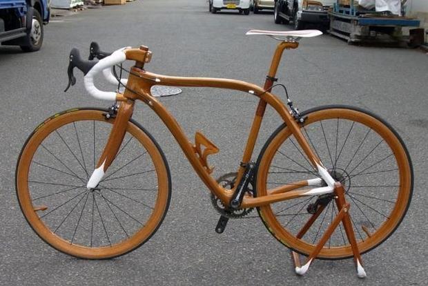 В Беларуси начали производить велосипеды из березы и ясеня