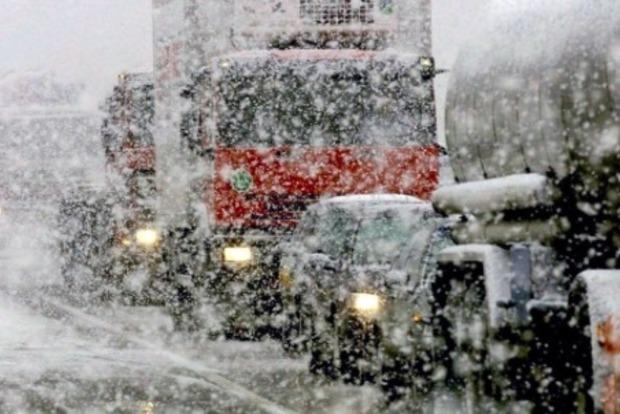 «Укравтодор» ограничил движение грузовиков в Киевской и Черкасской областях