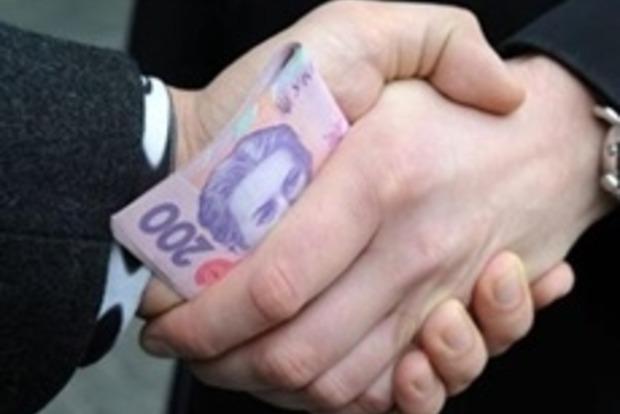 В Чернигове задержали за взятку депутата горсовета