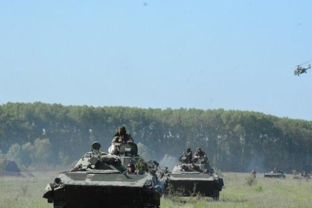 На Закарпатье произошло столкновение боевых машин, есть пострадавшие