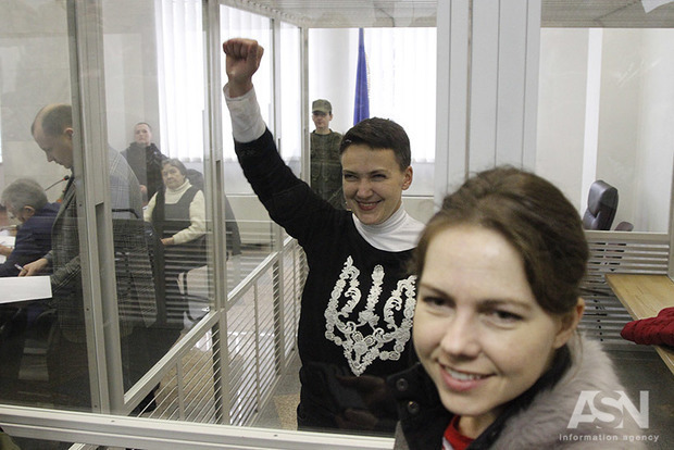 Савченко після операції на коліні знову почала голодувати