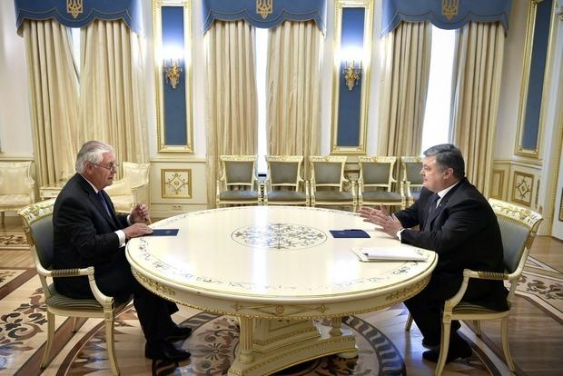 Тиллерсон требует от России немедленно предпринять шаги для остановки войны на Донбассе