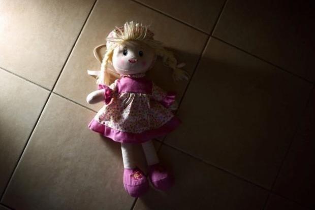 Под Киевом отец-педофил заставлял дочь делать порнофото для продажи