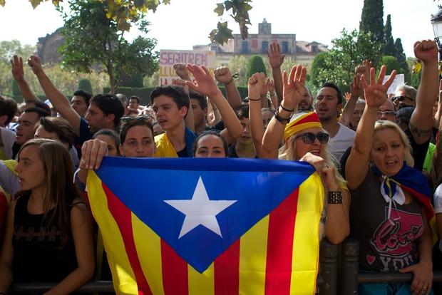 Испанское правительство проводит экстренное заседание по ситуации в Каталонии