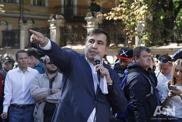Полиция украла мой паспорт на границе – Саакашвили