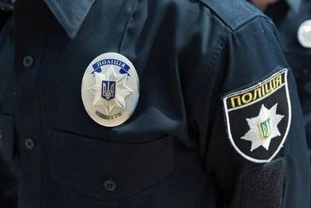 В центре Одессы голый мужчина бросался на людей