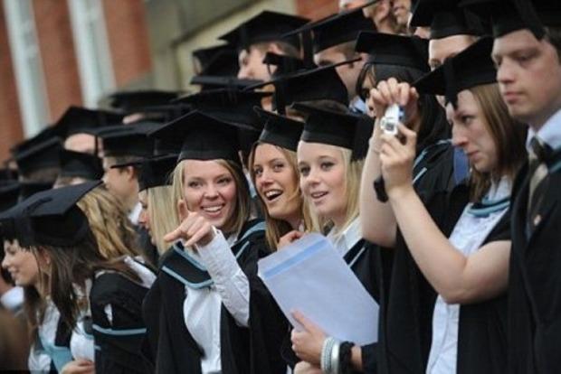 Студентов в Британии могли использовать в каруселях на выборах - Избирком
