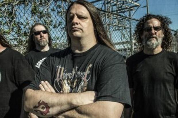 Музыкант Cannibal Corpse атаковал соседку иполицейского