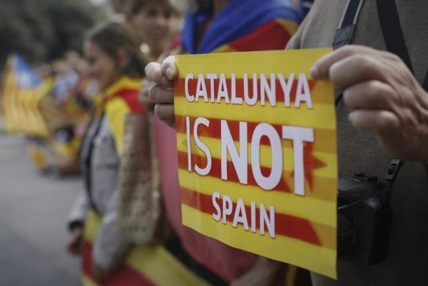В Каталонии парламент проголосовал за резолюцию по отделению от Испании