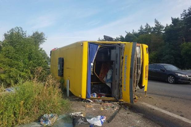 Авария с маршруткой под Днипром: фура пошла на таран