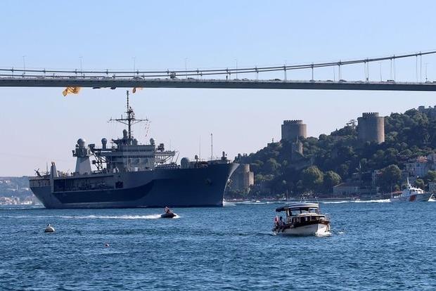 Учения Sea Breeze-2018: два корабля ВМС США вошли в Черное море