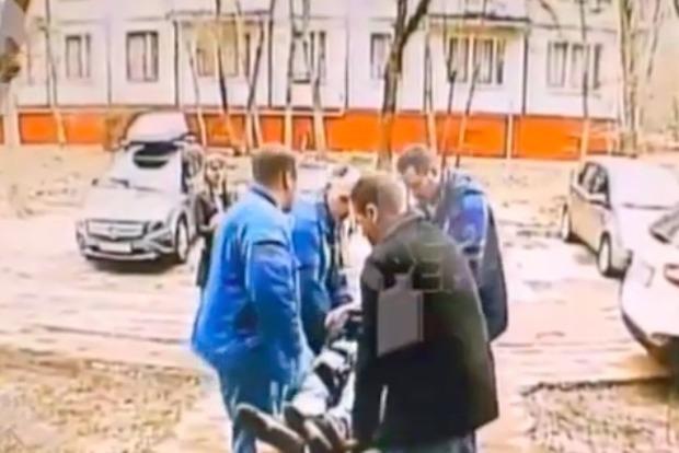 Опубликовано видео с места падения актера Степанова из окна