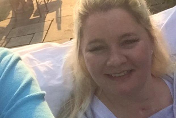 Женщину парализовало после падения с кровати во время бурного секса