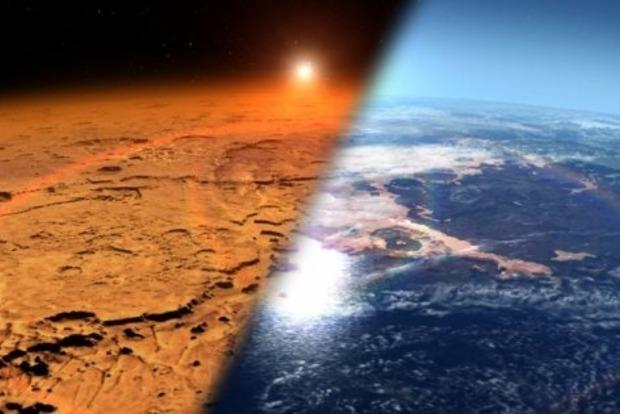 На Марсе второй месяц не исчезает странное облако