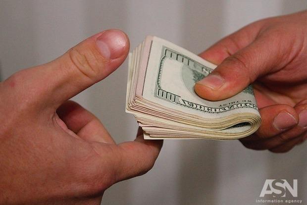 В николаевских обменниках доллар продают уже по 31 грн