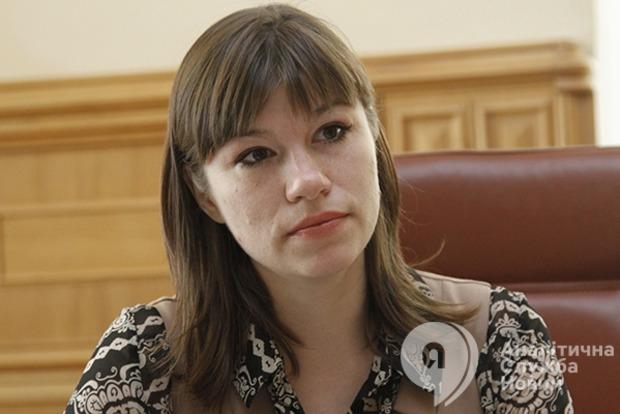 Анна Онищенко: Пирамиду оплаты труда госслужащих нужно перевернуть