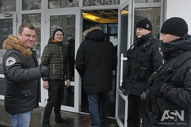 За обстрел яйцами нардепа Барны Автомайдан вызвали на допрос