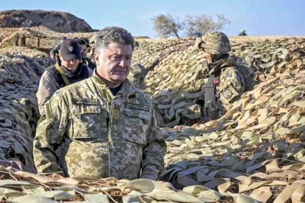 Порошенко: Фортификационные сооружения на Донбассе надо передать армии