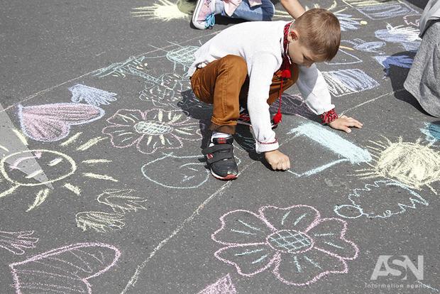 До трети украинских детей с проблемами развития останутся в интернатах до конца жизни