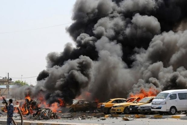 Два террориста-смертника подорвали машины в Багдаде, 10 погибших