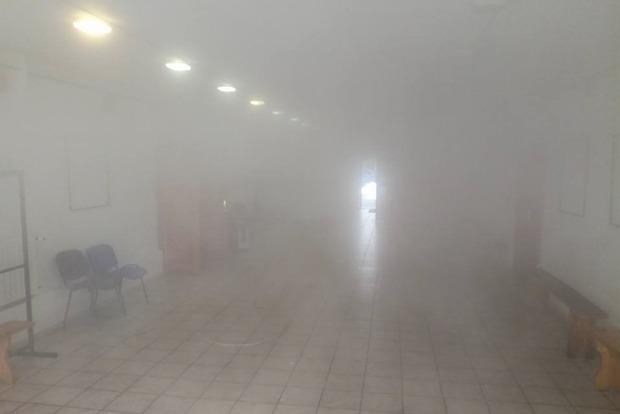 Кілька годин чекали МНС: у Києві затопило музей, працівники рятують експонати