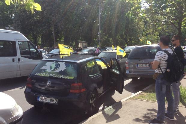 В Европе растаможка авто не превышает 500 евро, а в Украине она огромная из-за лобби - нардеп