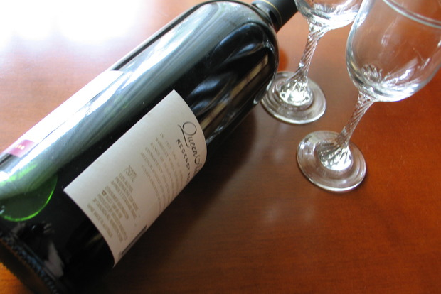 Как отличить настоящее вино от фальшивого и где нельзя покупать напиток
