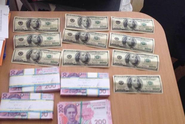 Кардиохирург в Харьковской области получил за операцию 100 тысяч гривен взятки