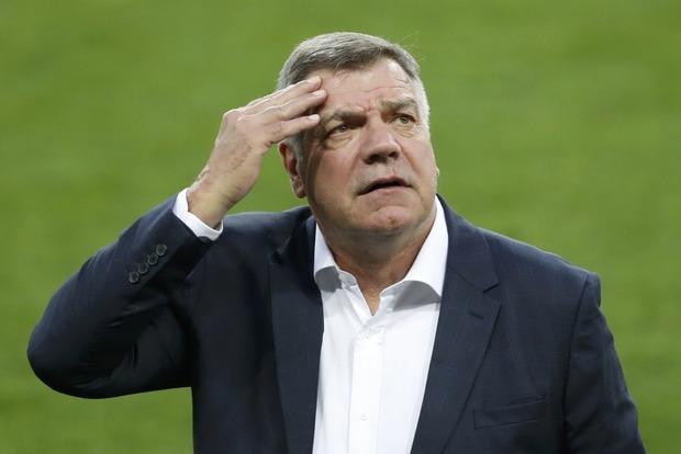 Тренера сборной Англии по футболу уволят из-за коррупционного скандала