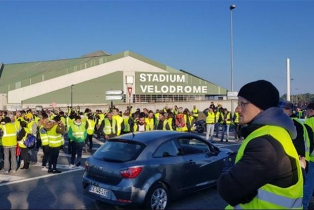 Протесты во Франции: погиб человек, 47 получили ранения