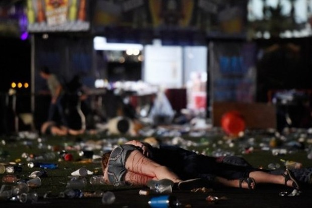 Количество жертв расстрела в Лас-Вегасе увеличилось до 58